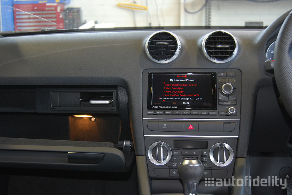 audi music interface with ipod or iphone cable for rns e. Black Bedroom Furniture Sets. Home Design Ideas