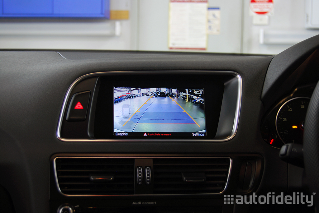 Integrated Rear View Camera System For Audi Q5 8R   autofidelity