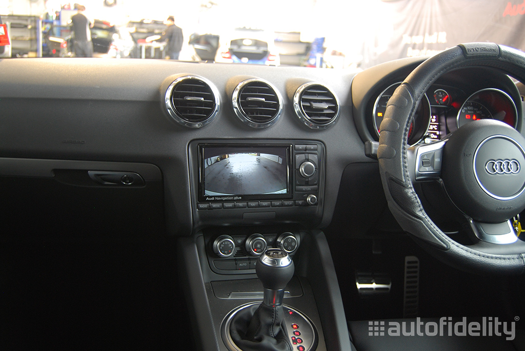 integrated rear view camera system for audi tt 8j autofidelity. Black Bedroom Furniture Sets. Home Design Ideas
