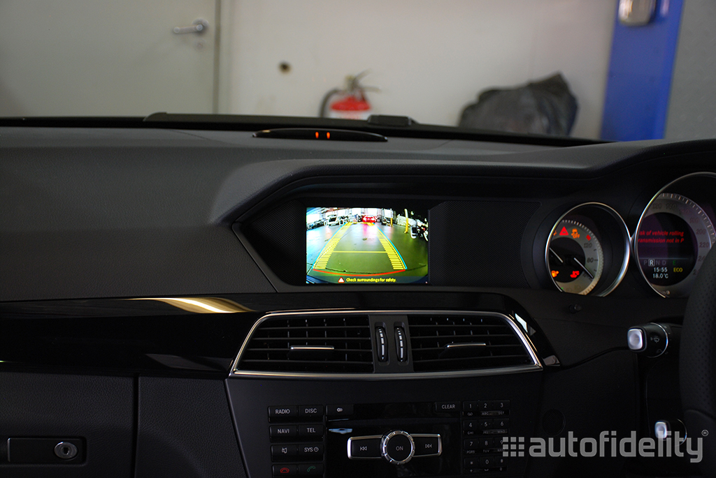 Integrated Rear View Camera System For Mercedes Benz C