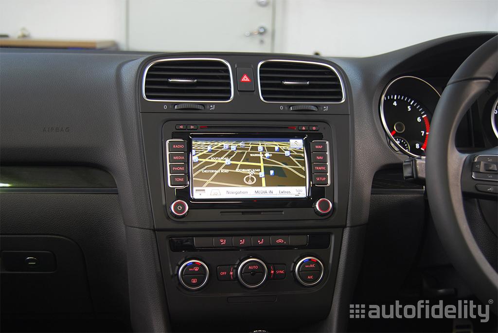Volkswagen Passat Navigation System : Rns touchscreen integrated navigation system for