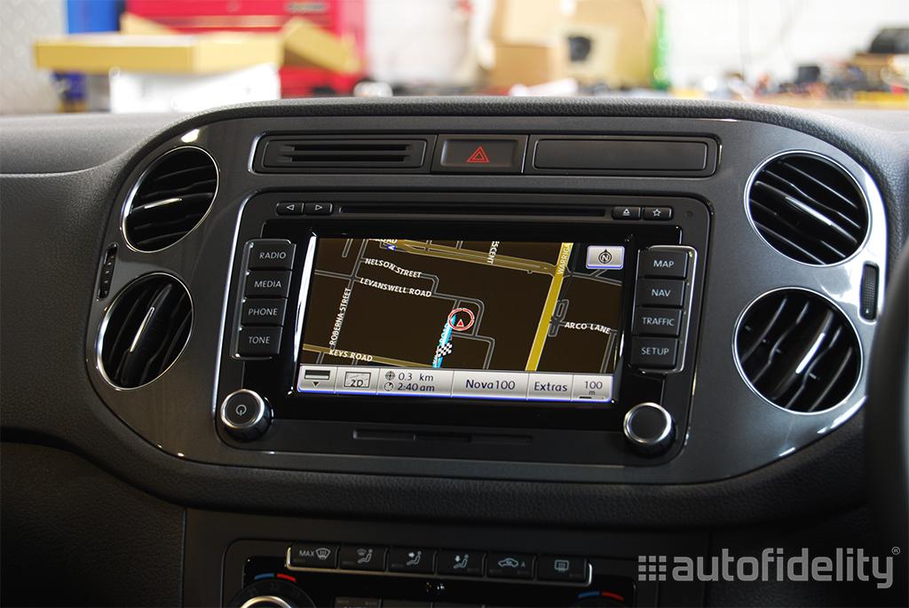 rns 510 touchscreen integrated navigation system for volkswagen tiguan autofidelity. Black Bedroom Furniture Sets. Home Design Ideas