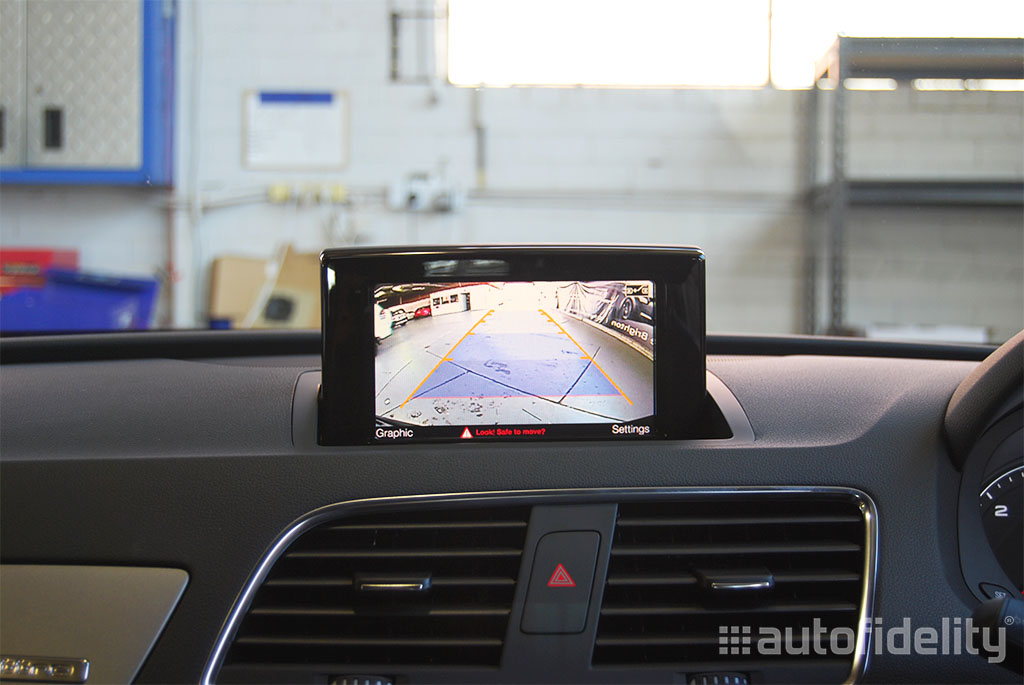 Touchscreen Integrated Navigation System With Rear View