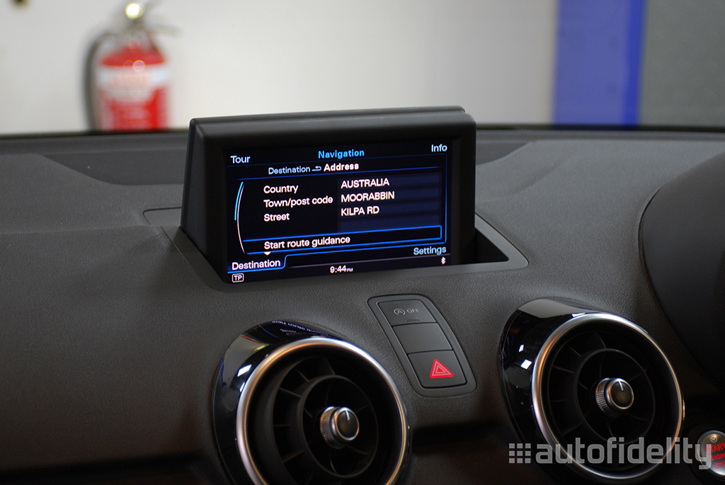 mmi 3g plus navigation system for audi a1 8x autofidelity. Black Bedroom Furniture Sets. Home Design Ideas