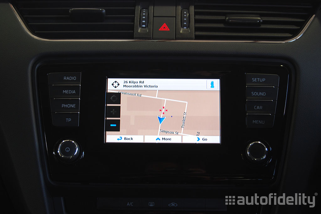 touchscreen integrated satellite navigation with rear view. Black Bedroom Furniture Sets. Home Design Ideas
