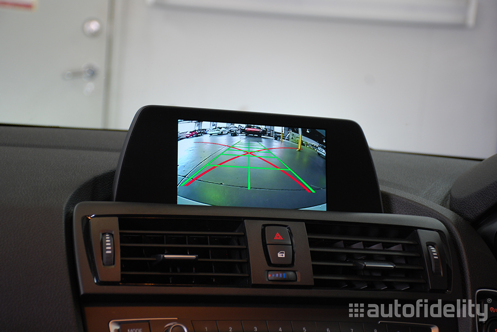 Integrated Rear View Camera System With Dynamic Guidelines